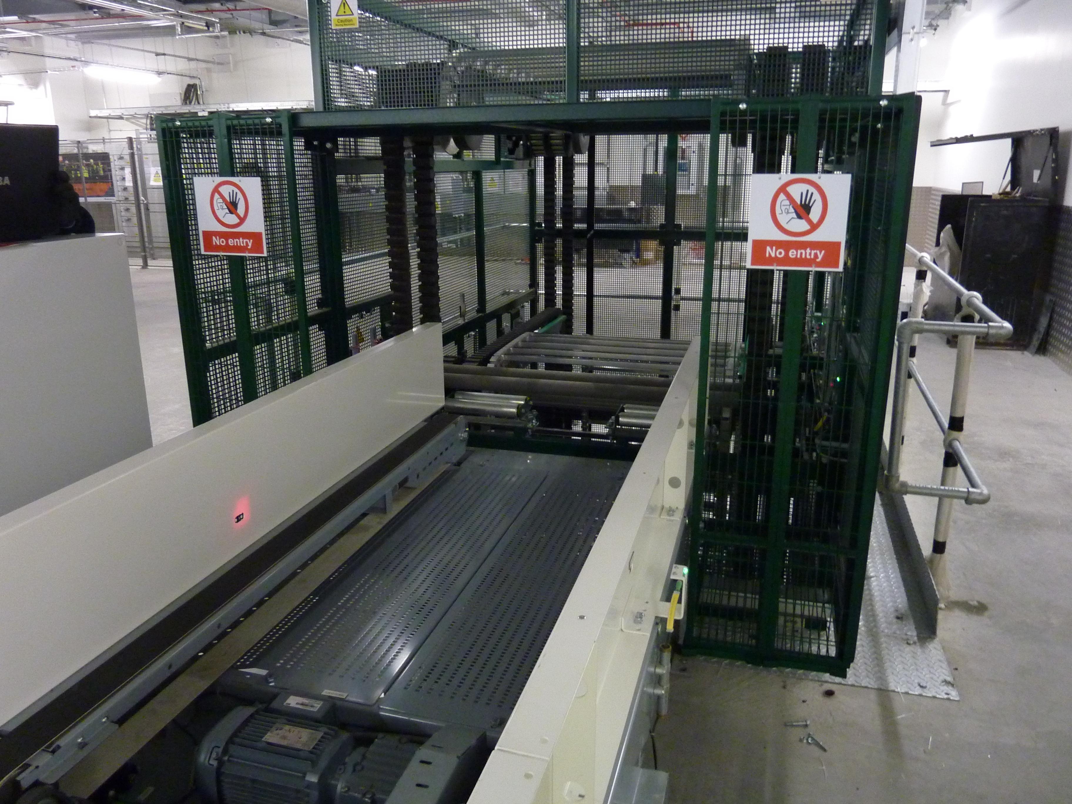 S-Conveyor Baggage Tray