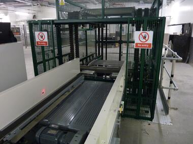 S-Conveyor Baggage Tray